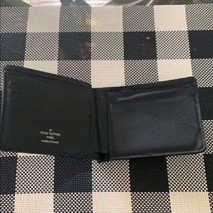 Men's like new black Louis Vuitton wallet
